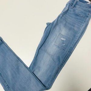 Abercrombie Pull On  Distressed Jegging size 15/16